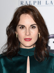 Michelle Dockery attended the 'Downton Abbey' cast photocall wearing a shoulder-length wavy 'do.