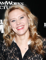 Kate McKinnon attended the 'Delivery Man' NYC screening looking charming with her billowy waves.