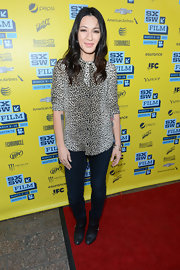 Michelle Branch kept her red carpet look casual and comfy by sporting a pair of skinny jeans.