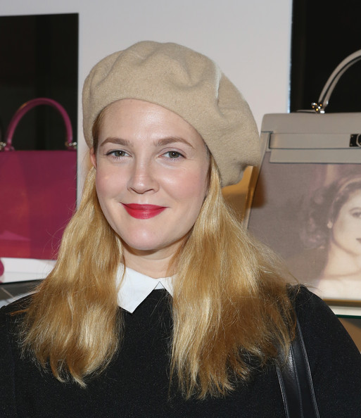 Drew Barrymore Beret [project perpetual,drew barrymore,human hair color,beauty,blond,chin,eyebrow,hairstyle,lip,fashion model,headgear,cheek,inaugural auction benefiting the united nations foundation,new york city,four seasons restaurant]