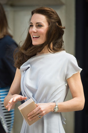 Kate Middleton visited the Anna Freud Centre carrying a simple yet elegant nude box clutch by L.K.Bennett.