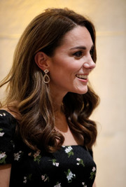 Kate Middleton sported her signature loose curls at the 2019 Portrait Gala.