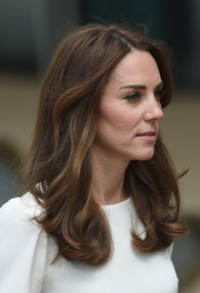 Kate Middleton looked lovely with her bouncy waves while attending the launch of Heads Together Campaign.