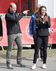 Kate Middleton attended the 2017 Virgin Money London Marathon wearing a black zip-up jacket with matching skinny jeans.