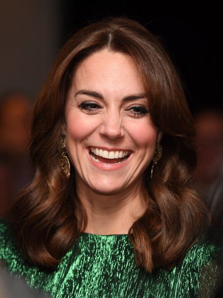 Kate Middleton looked lovely with her face-framing waves while attending a reception in Dublin, Ireland.
