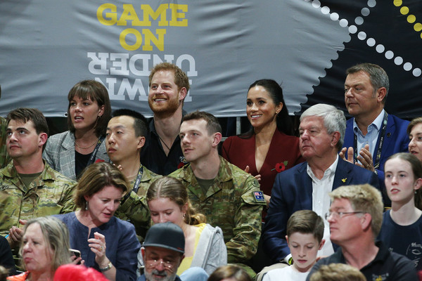 More Pics of Meghan Markle Skinny Pants (5 of 47) - Meghan Markle Lookbook - StyleBistro [people,social group,event,community,team,crowd,crew,harry,australia,sussex,duchess,cities,duke of sussex,duke and duchess of sussex visit,finals,tour,invictus games]