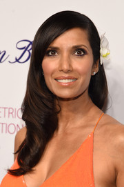 Padma Lakshmi showed off a flawlessly styled, flower-adorned wavy 'do at the Blossom Ball.