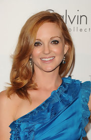 Jayma Mays' smoky eyes looked hot at the 'Elle' 18th Annual Women in Hollywood Tribute. She wore shimmering shades of gray with lots of black eye liner.
