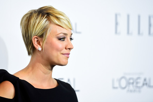 More Pics Of Kaley Cuoco Pixie 2 Of 12 Short Hairstyles Lookbook Stylebistro