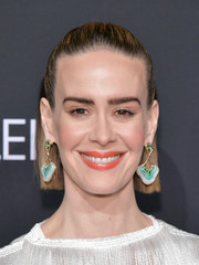 Sarah Paulson sported a simple half-up hairstyle at the 2018 Elle Women in Hollywood celebration.
