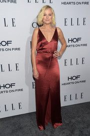 Malin Akerman was equal parts classic, sexy, and elegant in a burgundy Hellessy satin gown with a deep-V neckline and a high front slit during the Elle Women in Television dinner.