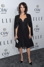 Abigail Spencer completed her all-black outfit with a pair of d'Orsay pumps.