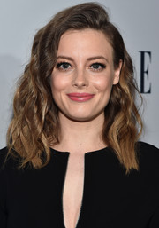 Gillian Jacobs attended the Elle Women in Television dinner wearing her hair in ultra-girly waves.