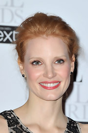 Jessica Chastain finished off her look with a charming ponytail.