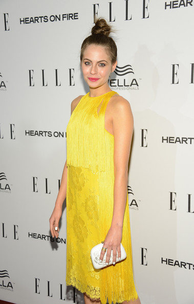 More Pics of Willa Holland Twisted Bun (3 of 9) - Willa Holland Lookbook - StyleBistro