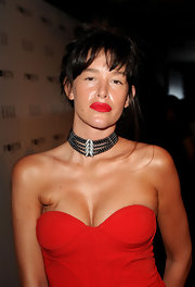 Paz de la Huerta paired her strapless neckline with a pearl necklace with diamonds at the 'Elle' Women in Television event.