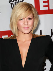 Kim Caldwell rocked a plunging neckline and a blonde bob hairstyle for the Grammy's.  This bob features a slight side-part and front bangs.