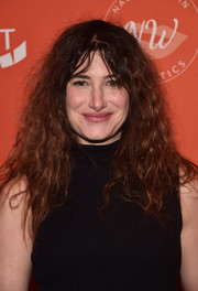 Kathryn Hahn kept it super casual with this messy hairstyle at the Emily's List pre-Oscars brunch.