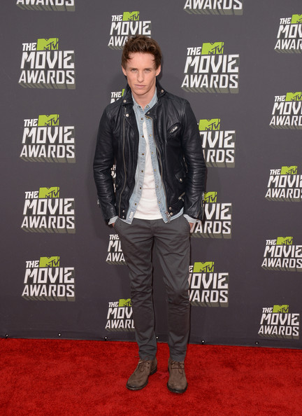 Eddie Redmayne Leather Jacket [jacket,leather jacket,outerwear,flooring,carpet,fashion,red carpet,leather,product,denim,arrivals,eddie redmayne,mtv movie awards,culver city,california,sony pictures studios,2013 mtv movie awards]