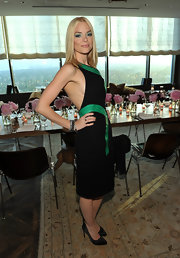 Jaime King sizled at the 'InStyle' Rachel Zoe celebration in black satin pumps.