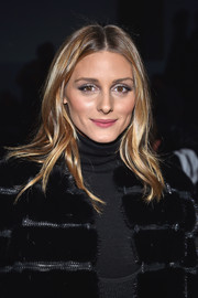 Olivia Palermo sported a gently wavy 'do when she attended the Elie Saab Haute Couture show.