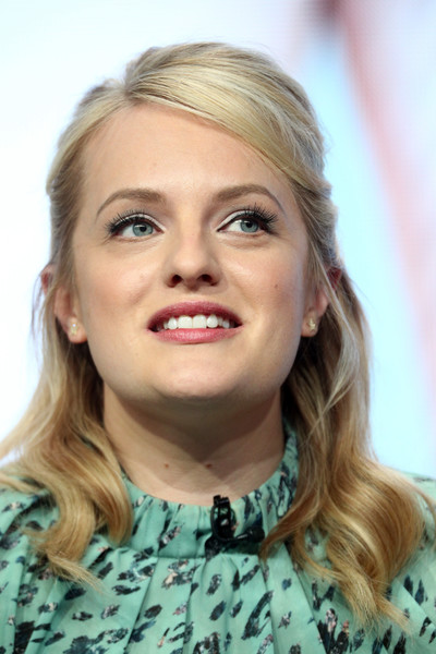Elisabeth Moss Half Up Half Down