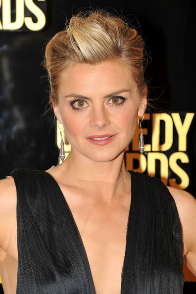 Eliza Coupe Bobby Pinned updo
