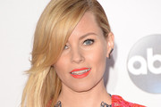 Elizabeth Banks Side Sweep