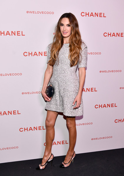 Elizabeth Chambers Pumps [clothing,dress,cocktail dress,fashion model,footwear,fashion,shoulder,premiere,long hair,leg,elizabeth chambers,@welovecoco,chanel beauty house,california,los angeles,chanel party]