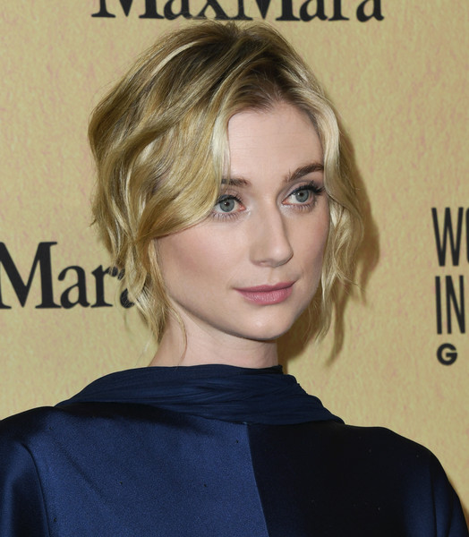 Elizabeth Debicki Short Wavy Cut [women in film annual gala 2019,arrivals,elizabeth debicki,hair,face,hairstyle,blond,eyebrow,chin,beauty,long hair,forehead,surfer hair,beverly hills,california,the beverly hilton hotel,max mara]