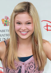 Olivia Holt is simply adorable with her straight 'do and pinned-back bangs.