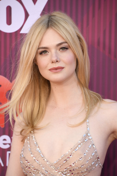 Elle Fanning Long Center Part [hair,blond,face,hairstyle,long hair,beauty,chin,layered hair,lip,lady,arrivals,elle fanning,iheartradio music awards,california,los angeles,microsoft theater,fox]