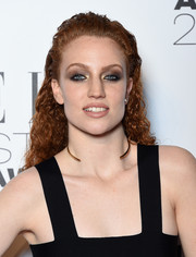 Jess Glynne wore her tight curls slicked back at the top during the Elle Style Awards.
