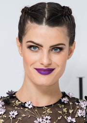 Isabeli Fontana couldn't be missed with those saturated purple lips at the Elle Style Awards.