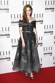 Ellie Bamber went the ladylike route in an off-the-shoulder fit-and-flare dress by Chanel at the 2017 Elle Style Awards.