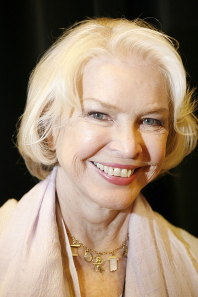 Ellen Burstyn Bob [book,lessons in becoming myself,hair,face,blond,facial expression,skin,eyebrow,hairstyle,chin,head,lip,ellen burstyn,copies,toronto,canada,manulife center,indigo]