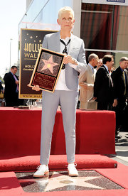 Ellen DeGeneres' white lace-ups were a fresh finish to her light grey suit and white shirt combo.