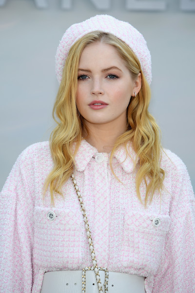 Ellie Bamber Beret [hair,white,clothing,beanie,beauty,blond,pink,lip,fashion,headgear,chanel haute couture fall winter 2018,ellie bamber,front row,part,paris,france,chanel,paris fashion week,show]
