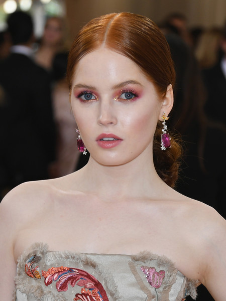 Ellie Bamber Bright Eyeshadow [manus x machina: fashion in an age of technology costume institute gala - arrivals,manus x machina: fashion in an age of technology costume institute gala,hair,face,lip,eyebrow,hairstyle,fashion,beauty,skin,haute couture,chin,ellie bamber,new york city,metropolitan museum of art]