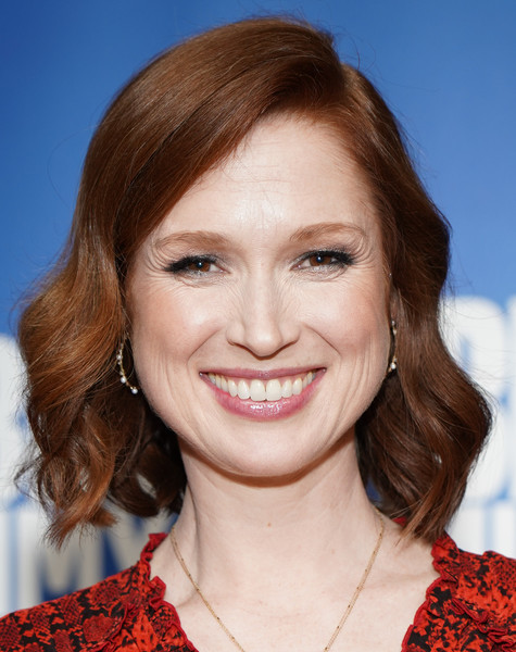 Ellie Kemper Short Wavy Cut [hair,face,hairstyle,eyebrow,lip,chin,smile,layered hair,brown hair,blond,unbreakable kimmy schmidt,ellie kemper,fyc @ ucb,panel,california,los angeles,ucb sunset theater,universal television,fyc]