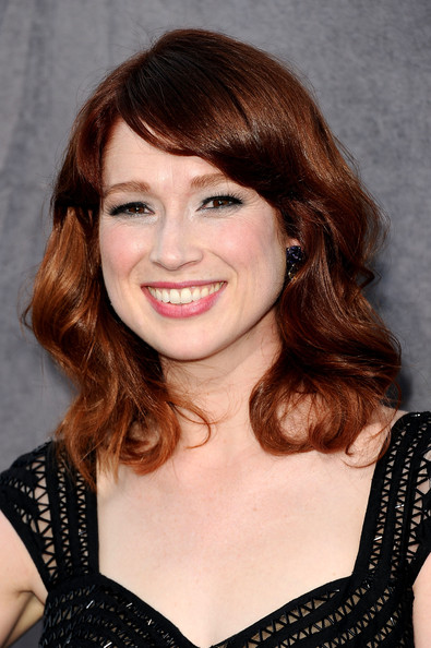 Ellie Kemper Medium Wavy Cut with Bangs