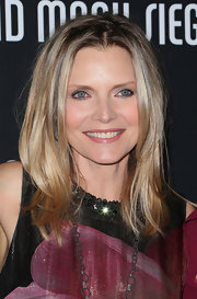 Michelle Pfeiffer has gorgeous hair! Just check out these flawless layers.