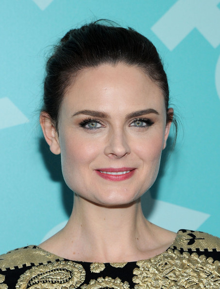 Emily Deschanel Beauty