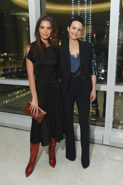 Emily Ratajkowski Leather Clutch [clothing,fashion,little black dress,dress,event,footwear,fashion design,suit,haute couture,formal wear,cover star ciara,laura brown,carla gugino,emily ratajkowski,issue,new york city,instyle dinner,l]