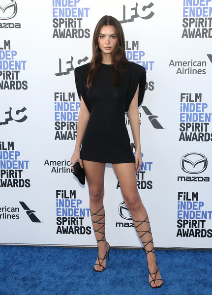 Emily Ratajkowski Shoulder Pad Dress [clothing,little black dress,shoulder,dress,leg,joint,footwear,fashion,thigh,red carpet,arrivals,emily ratajkowski,film independent spirit awards,santa monica,california,emily ratajkowski,35th independent spirit awards,red carpet,academy awards,i feel pretty,celebrity,supermodel,fashion,photograph,image]