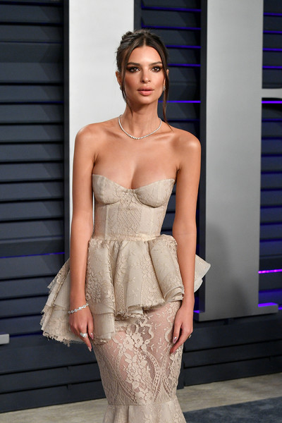 Emily Ratajkowski Diamond Ring [oscar party,vanity fair,clothing,fashion model,dress,shoulder,fashion,cocktail dress,haute couture,strapless dress,gown,fashion show,beverly hills,california,wallis annenberg center for the performing arts,radhika jones - arrivals,radhika jones,emily ratajkowski]