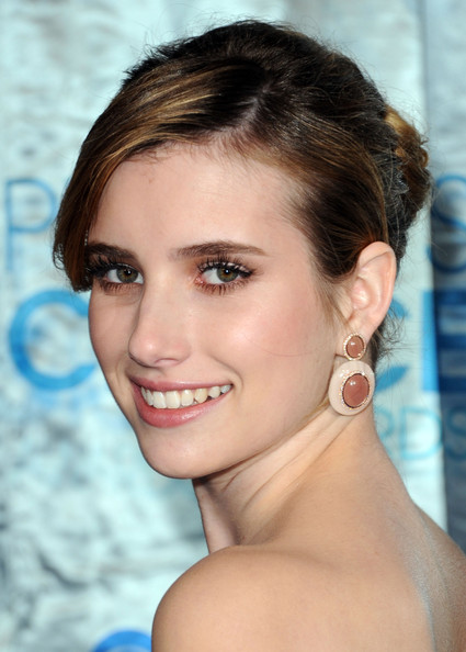 Emma Roberts False Eyelashes