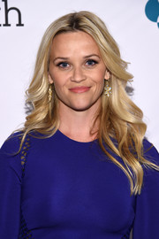 Reese Witherspoon was fabulously coiffed with this feathered flip at the Stand Up to Cancer event.