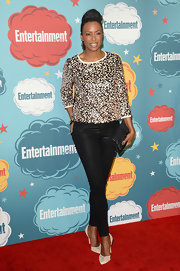 A sequined top gave Aisha Tyler some major sparkle on the red carpet.