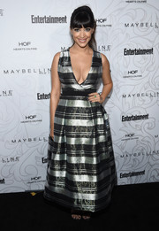 Hannah Simone charmed in a metallic striped gown by Thai Nguyen Atelier at the Entertainment Weekly SAG nominees celebration.